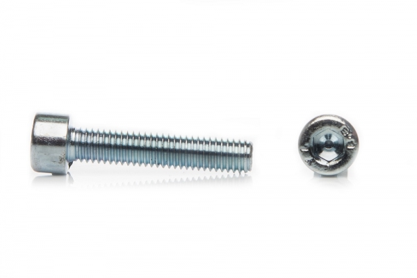 Винт с цилиндрической головкой и внутренним шестигранником DIN 912 М5*12 мм
