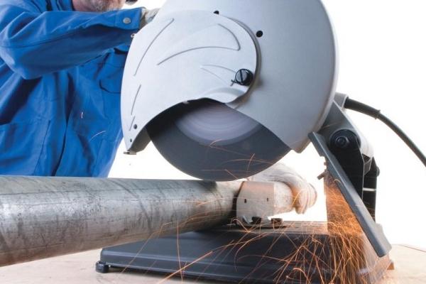 Труба водогазопроводная стальная D-внутренний 40 мм (цена за метр погонный в рез)